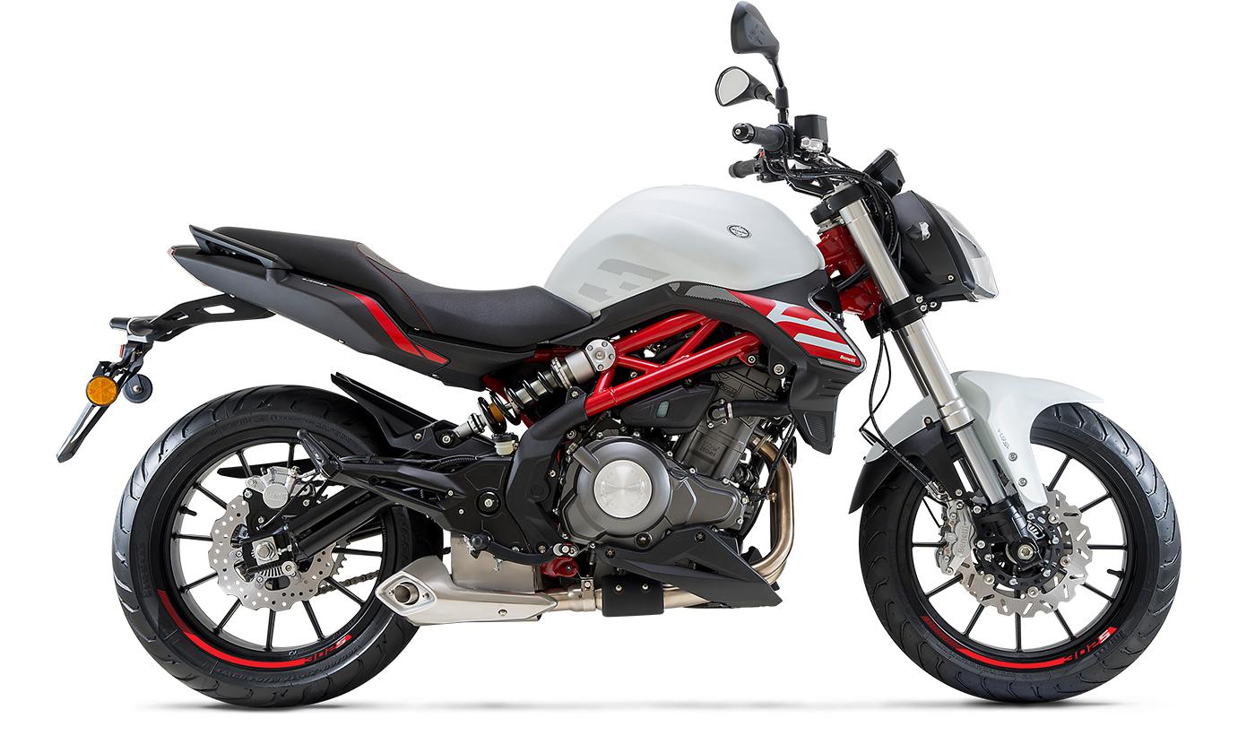 BENELLI BN 302 2018 300 cm3 | moto roadster | 7 650 km